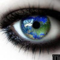 the_whole_world_in_this_eye_by_xgothikix